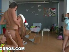 BANGBROS - Halloween Pussy Party Lesbiennes avec Rachel Starr et Alexis Fawx