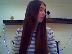Hairplay Brunette Super Mignon, Brossage de Cheveux et Striptease