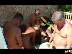 Diegeileanita - Gruppensex im Urlaub