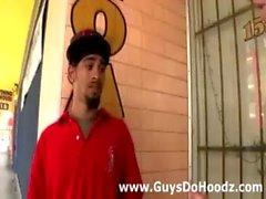 Homosexuell hookup zur verschiedenen Rassen Kunden outdoors