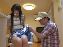 Japanilaisen naista sidottu kotoisaksi
