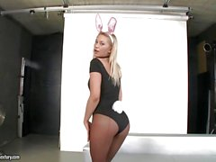 Hot blonde bunny Lindsey Olsen ass drilled