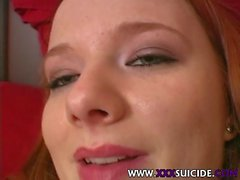 XXX Suicide - tätowiert und durchbohrte Schlampen mit Kunst am Körper