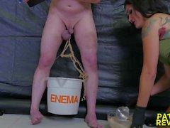 Châtiment Extreme Pour Mike De Nurse Holl