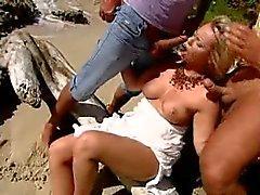 Nude ranta - Lämmin DP Kolmen kesken sen Shore