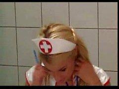 Infirmières et infirmiers donnent un petit supplément