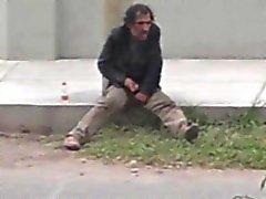 Str8 kapalı evsiz bir sallanmaları casusu olarak yakalanan