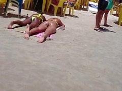 Loira rabuda de Fio dental! Blonde thong bikini