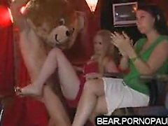 Male strippers get blowjobs at par Nevada from 1fuckdatecom