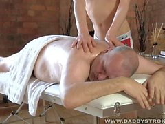 Massure Gives Daddy A Happy Ending