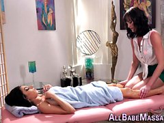 Sizzling les masseuse