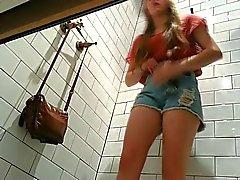 Espiando en vestidores # 08