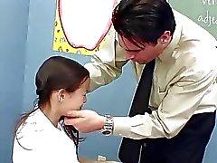 Frappant années de l'étudiante asiatique slim InnocentHigh enseignants ti