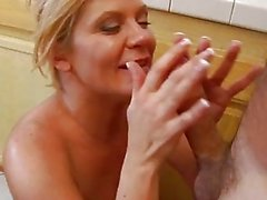 Ginger Lynn gets her wet pussy fucked up by stud