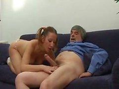 SB3 ela satisfaz os seus padrastos Lust!