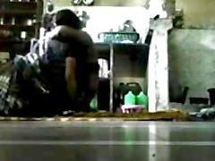 Бангладешскими - BHABHI со Своим Devor в кухне на полу