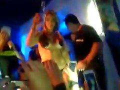 show hot 2 mujeres disco chilena