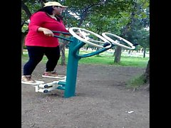 Mi tia tere haciendo ejercicio