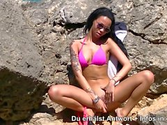dildoshow at beach - german teen