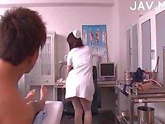 Titty Jap sjuksköterska körd