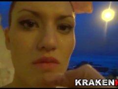 Krakenhot - Verrückte Braut, unterwürfig auf der Straße !!!