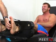 Chico joven pies gay Luchador Frey Finalmente me gustó