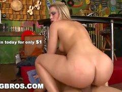 BANGBROS - Bootylicious PAWG Alexis Texas Rides Cock Like a Dream (ap9757)