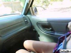 Stranded teen Jill fucked in the car
