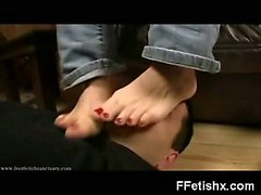 Kinky Foot Fetish Girl Sadomaniac Makeout