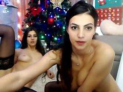 Sexy Brunette On Webcam con giocattoli doppia penetrazione