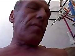 Sagacidade do homem velha macia de Cumming pau