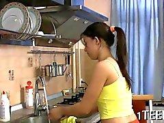 Teen ruso Traductor follanda todo su la cocina