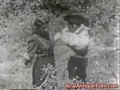 1915 Porn fou antique extérieur