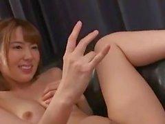 Hana ve Yui: Yalnız eşleri