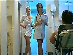 3-tie sairaanhoitaja handjob