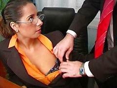 Sexy Daria Glower kantoor fuck is geweldig