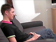 Fantastiska Kensi jerking sin styva gay