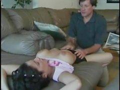 Razz patrigno punisce i La figliastra