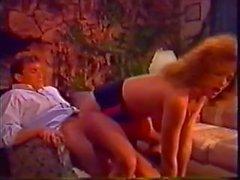 Himokas Spears pääsee puhallettu sekä hoitelee klassisella kohtauksessa