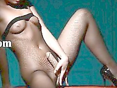 gentle babe masturbating in pantyhose