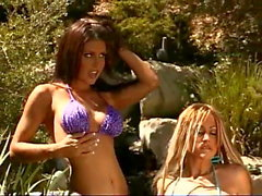 «Tanya James», «Chasey Lain», le trio de Jessica Jaymes