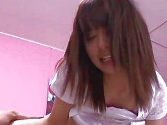 Tonårs japan Blowjob video erbjuder upp härlig sexstund alltför