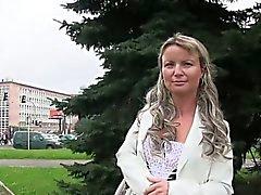 Czech amateur fucks on the bench outdoor in public park