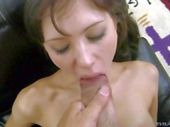 Bald pussy girl Aspen gets nude and gives footjob