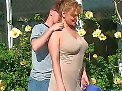 rödhåriga busty milf fan av hennes Gardner