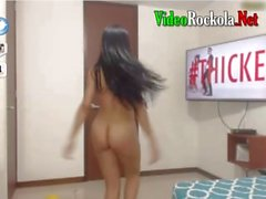 My little sister 18 loves to be naked on live cam