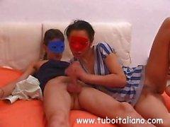 Итальянского семейной пары в масках становятся все снято в хардкор ебля