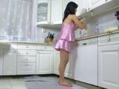 беременны ебет на кухне