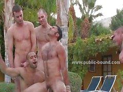 Homosexuell Nutte gebracht wird nackt in Leash