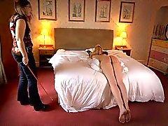 spanking rohrstock geile brüste